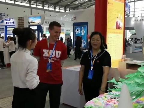 外藉教师也喜爱中国烹饪艺术文化